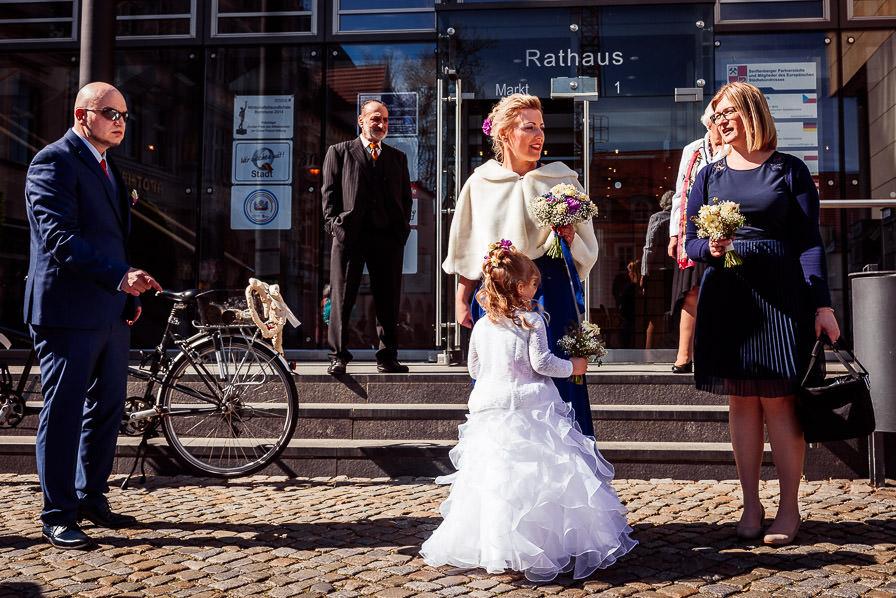 Vor dem Rathaus Senftenberg