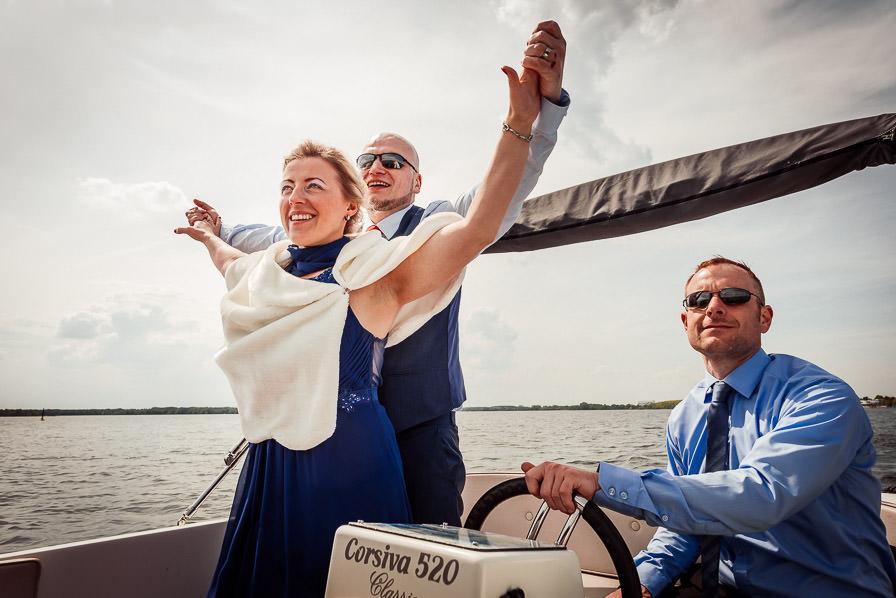 Hochzeitsgesellschaft auf dem Senftenberger See