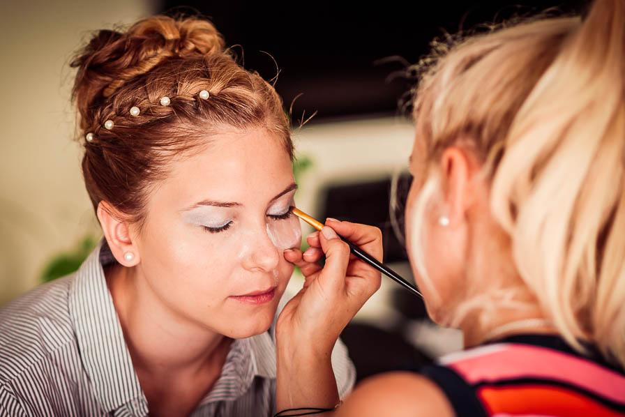 Braut wird geschminkt - LICHT | BILD | LIEBE