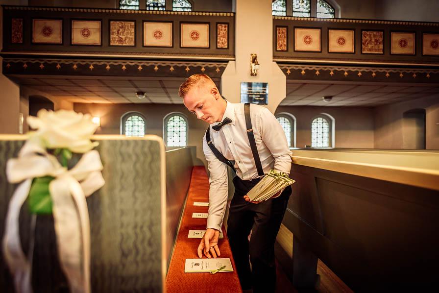 Vorbereitungen in der Kirche