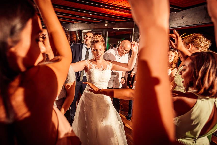 Die Braut feiert