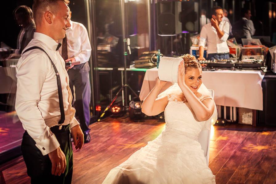 Braut bei der amerikanischen Versteigerung