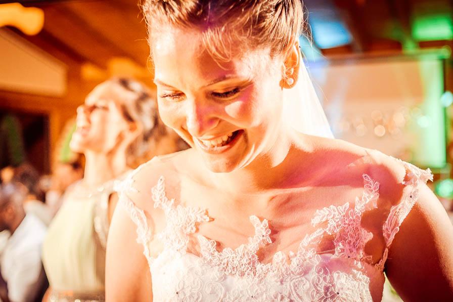 Glückliche Braut, fotografiert von LICHT | BILD | LIEBE, Christian Menzel, Hochzeitsfotograf Berlin
