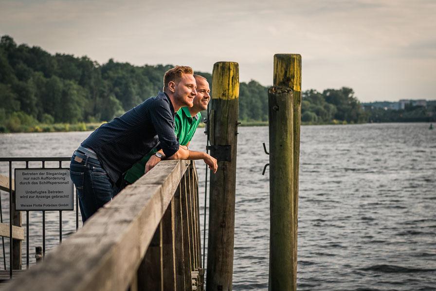 Paarshooting mit Hochzeitspaar an der Havel