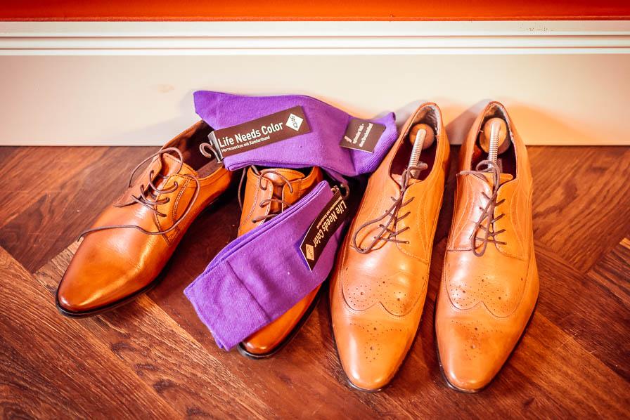 Schuhe mit Socken