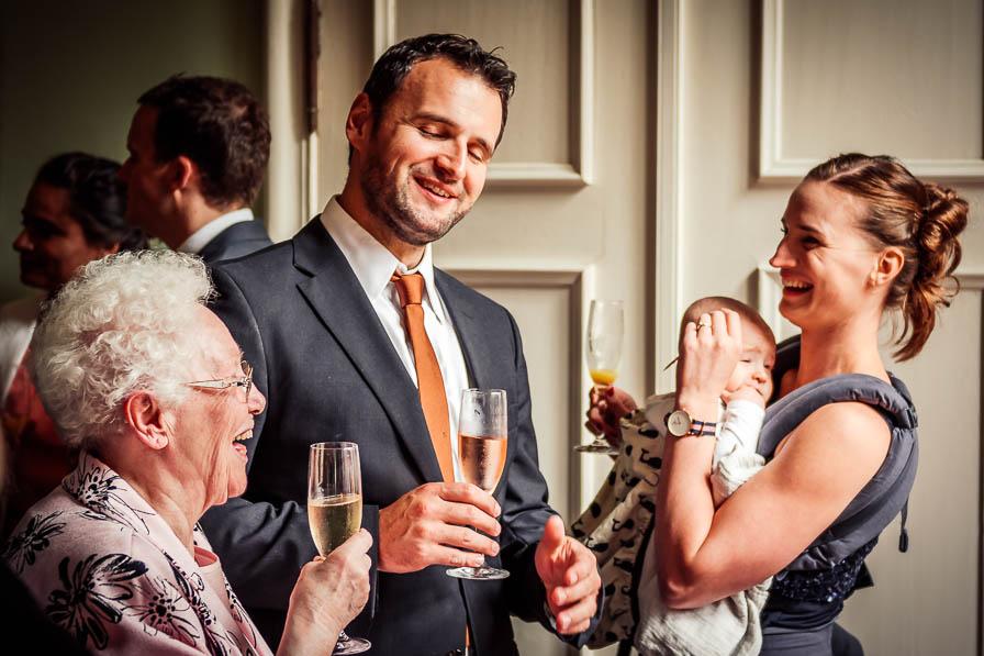 Hochzeitsgäste im Schloss Ziethen