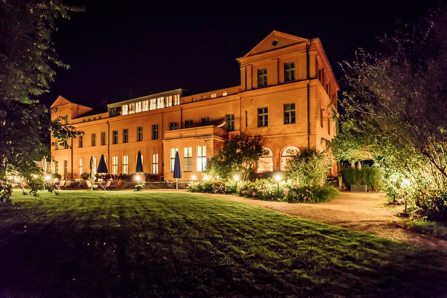 Hochzeit auf Schloss Ziethen: das Schlosses bei Nacht