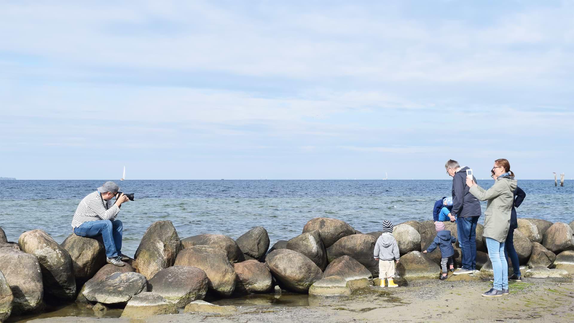 Christian an der Ostsee beim Fotografieren