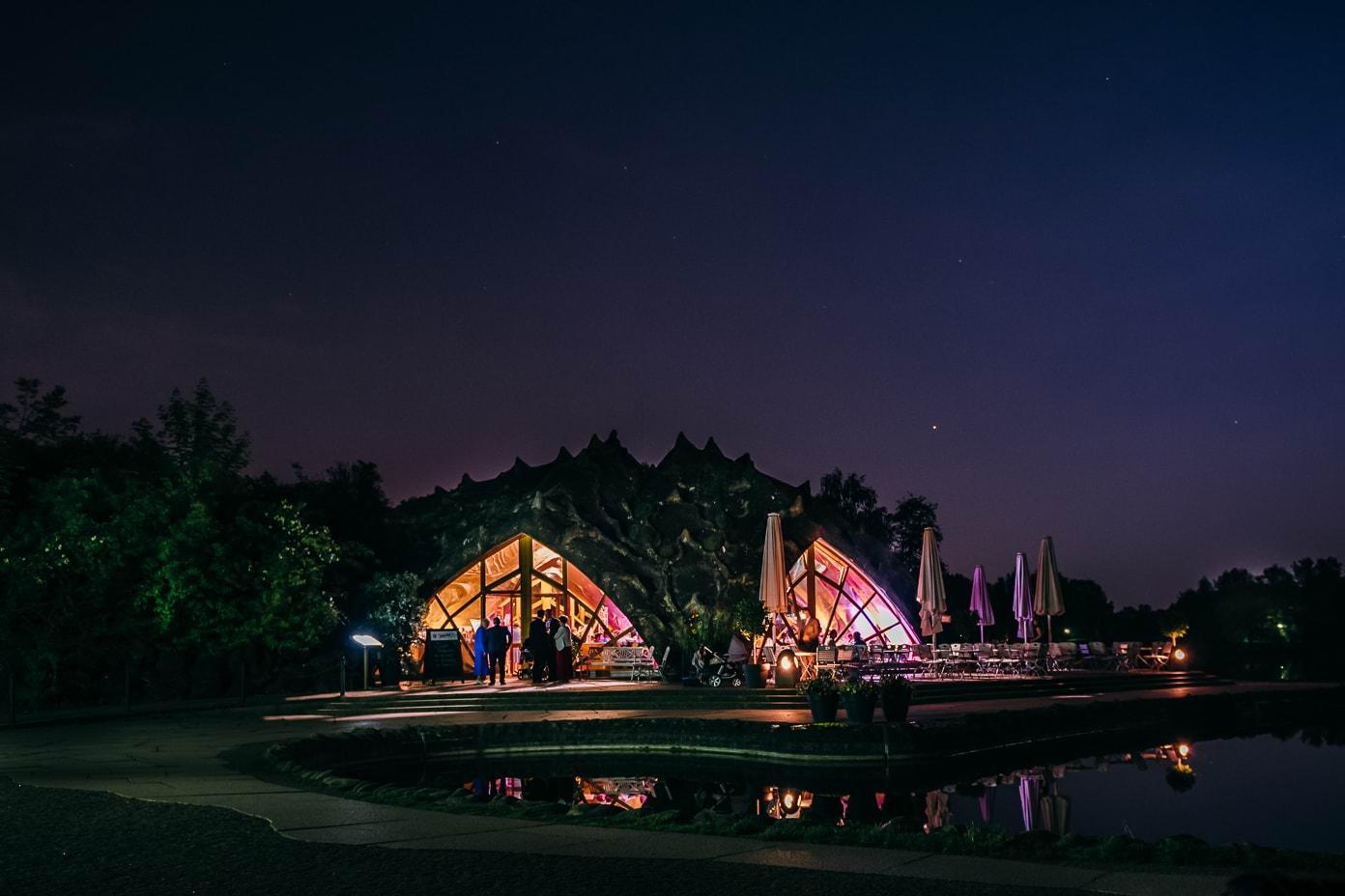Britzer Seeterrassen bei Nacht