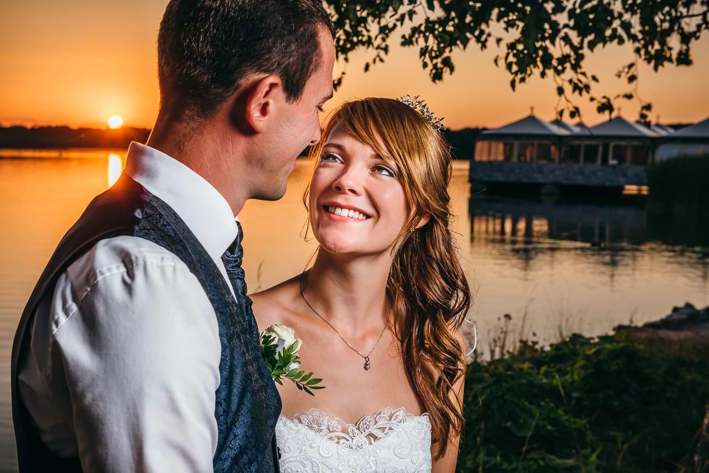 Brautpaar im Sonnenuntergang am Rangsdorfer See