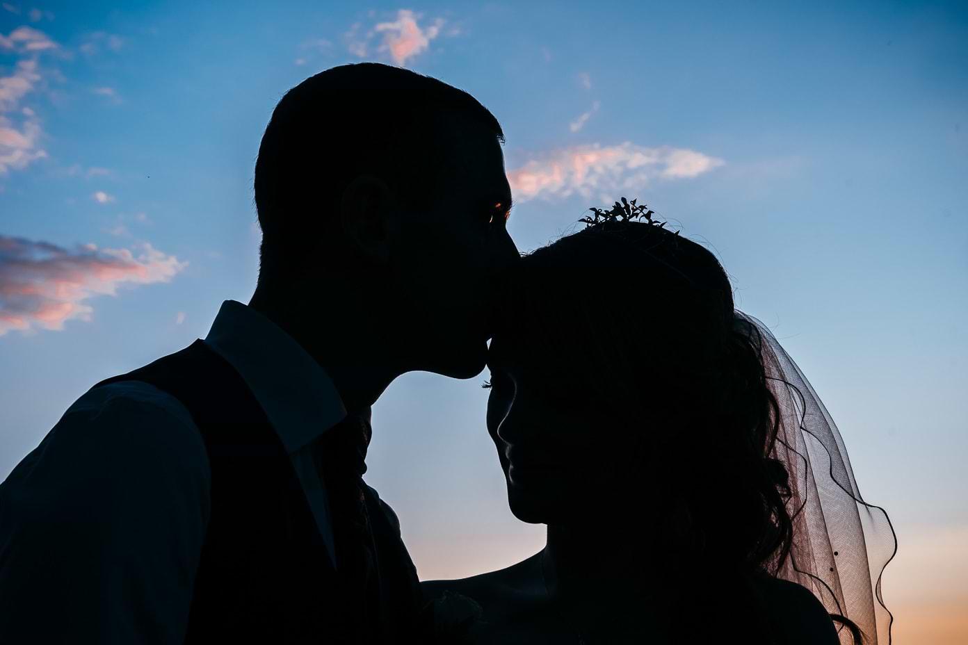Silhouette des Brautpaares