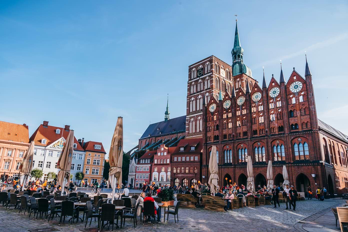 Stralsund Rathaus und Nikolaikirche