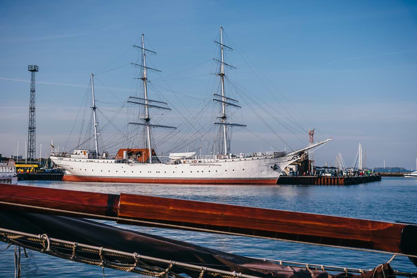 Trauung auf Goch Fock I in Stralsund