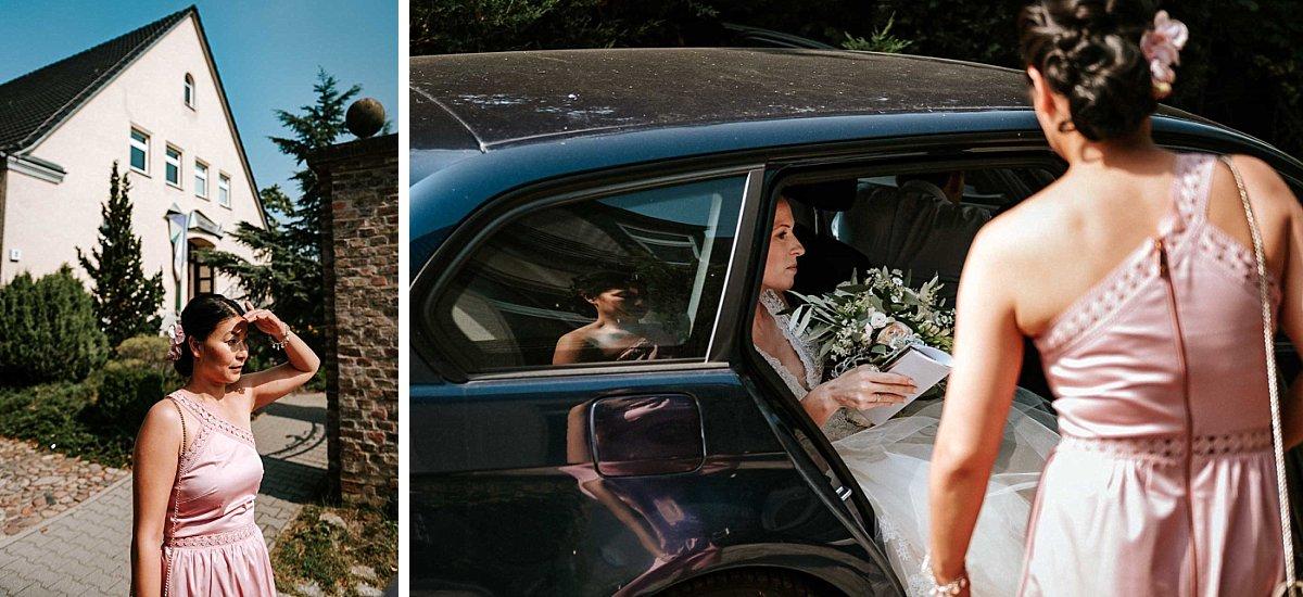 Die Braut trifft am Standesamt ein