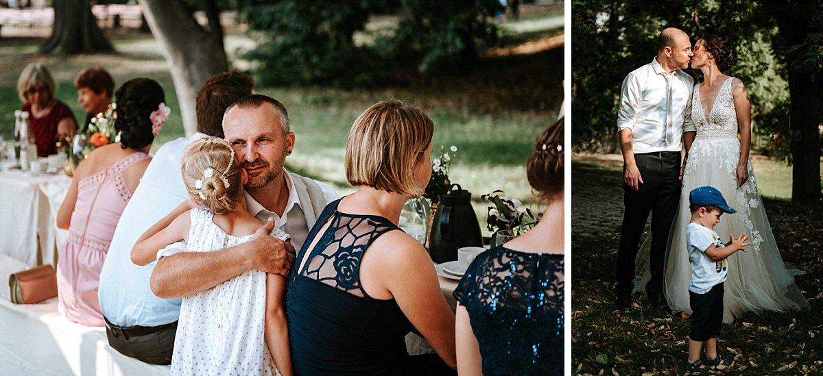 Hochzeitsgäste beim Kaffee