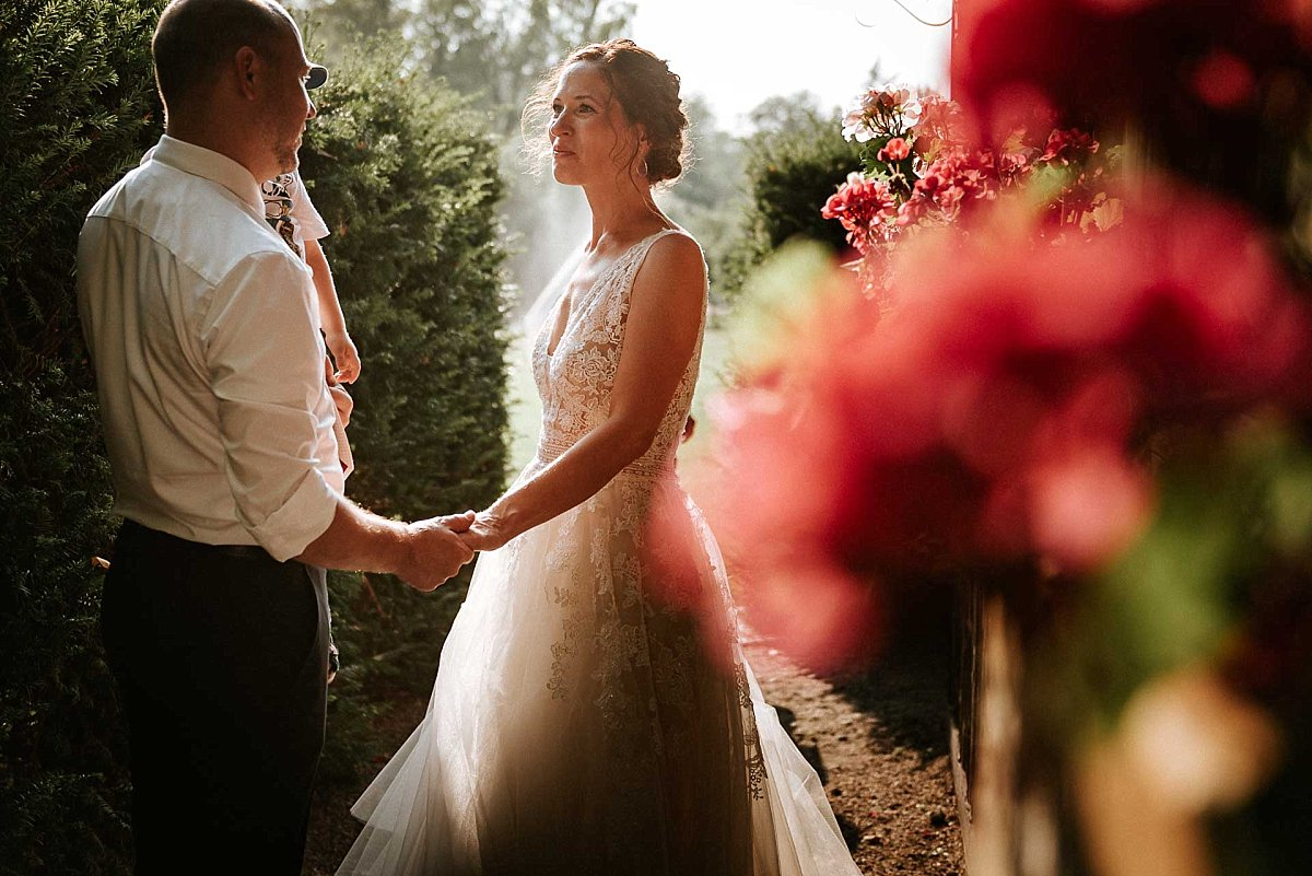 Braut im Gegenlicht