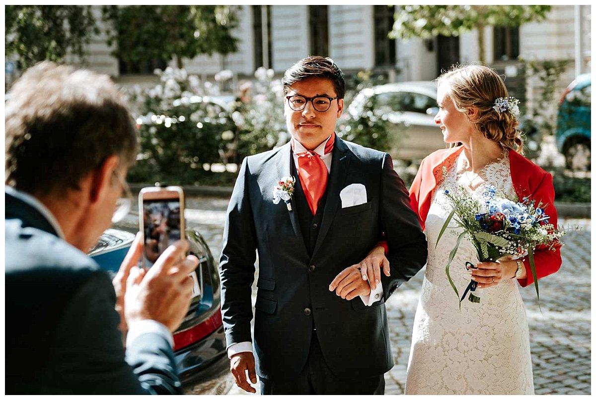 Brautpaar vor dem Schleswig-Holstein-Haus