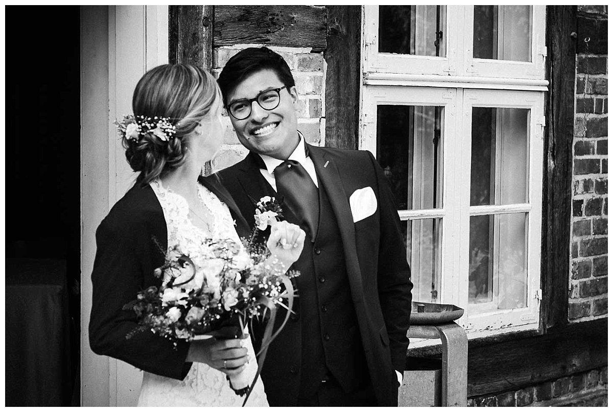 Brautpaar vor Schleswig-Holstein-Haus in Schwerin