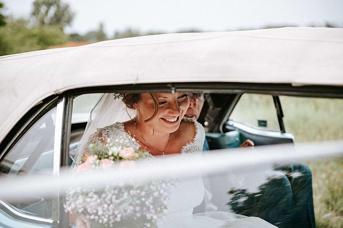 Braut im Mustang